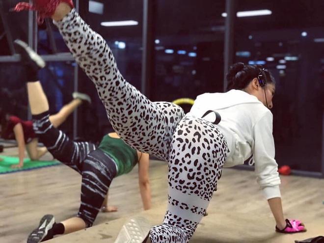 Cô gái xứ Thanh lột xác với body 3 vòng 75-58-98 nhờ thay đổi chế độ ăn và lịch tập luyện của mình - ảnh 8