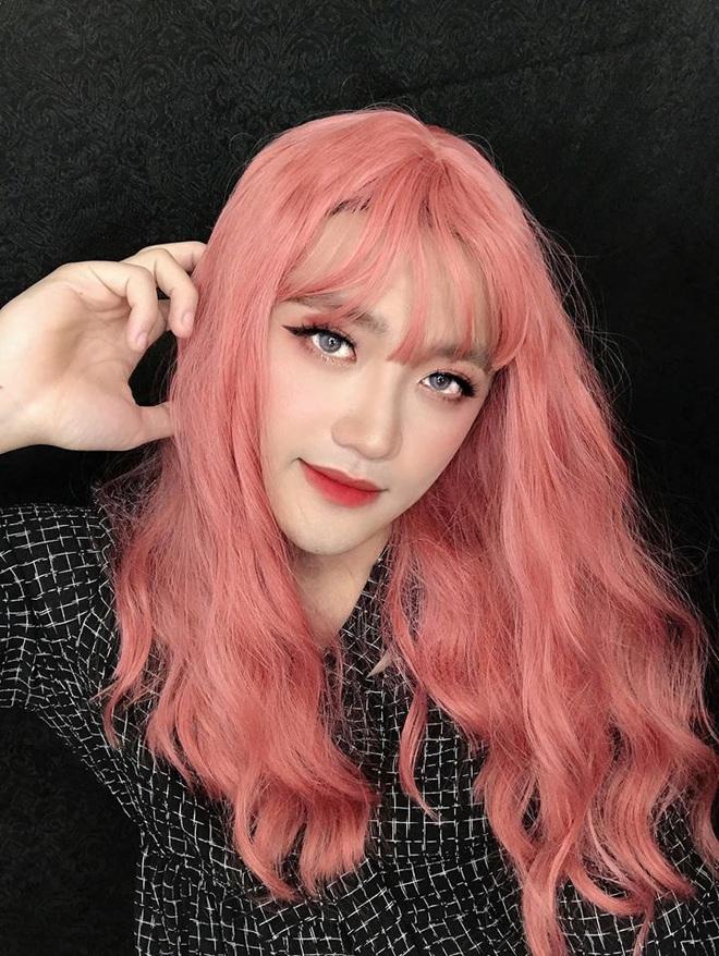 Thanh niên có bạn gái làm makeup bị đem ra đeo lens, kích mí ầm ầm: Các ông xem tôi có xinh không? - ảnh 5