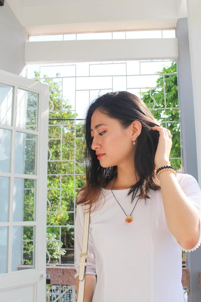 Loạt ảnh cực hiếm thời ngố tàu đi học của Lương Thuỳ Linh: Xinh đẹp từ bé, không trang điểm vẫn nổi bật hơn bạn đồng trang lứa - ảnh 11