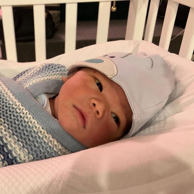 Lộ diện sau 1 tháng ở cữ, Lan Khuê gây chú ý với vóc dáng đúng chuẩn gái một con trong mòn con mắt - ảnh 4