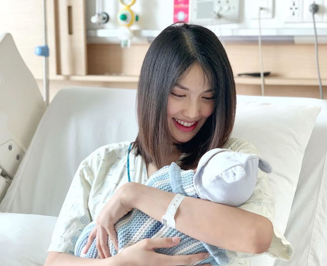 Lộ diện sau 1 tháng ở cữ, Lan Khuê gây chú ý với vóc dáng đúng chuẩn gái một con trong mòn con mắt - ảnh 3