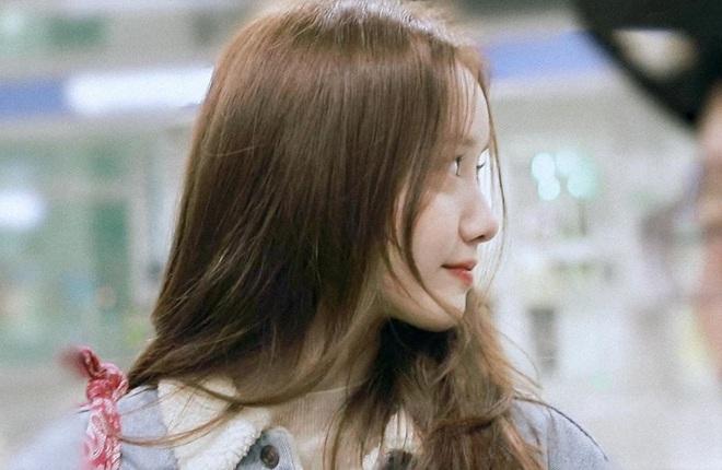 Nữ thần Yoona khoe sắc tại sân bay: Ăn mặc đơn giản mà sao xinh quá đỗi, ảnh fan chụp thôi mà đẹp tựa cảnh phim - ảnh 8