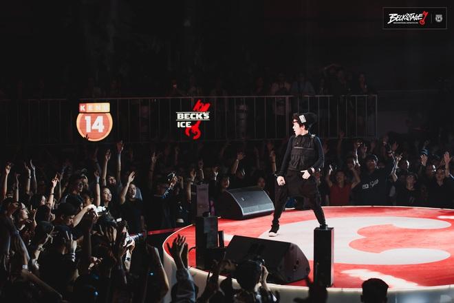 Tuy không thể biến mùa hạ thành mùa đông nhưng Tiên Tiên có thể biến sân khấu Beck'Stage thành concert riêng của mình! - ảnh 1