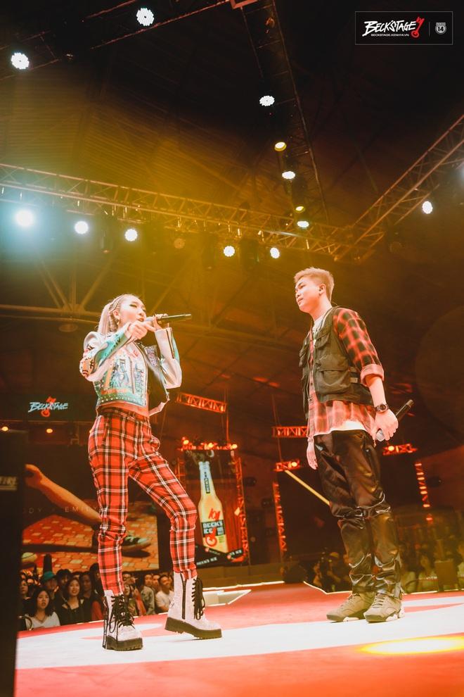 BigDaddy và Emily chuốc say người hâm mộ bằng loạt bản hit đình đám trên sân khấu Beck'Stage Unexpected Rap Fest! - ảnh 2