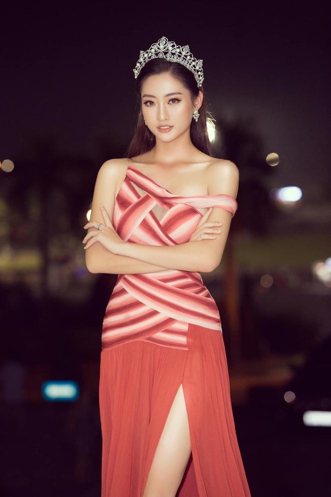 Clip Lương Thuỳ Linh nói Tiếng Anh trên sân khấu Hoa hậu Thế giới 2019: Đúng là không hổ danh dân Ngoại thương! - ảnh 9