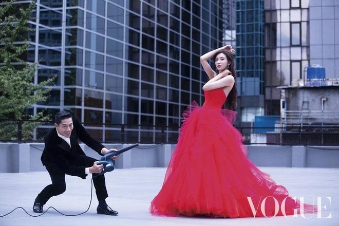 Công bố bộ ảnh cưới lồng lộn thửa riêng cho tạp chí của đệ nhất chân dài xứ Đài Lâm Chí Linh và chồng Nhật kém 7 tuổi - ảnh 3