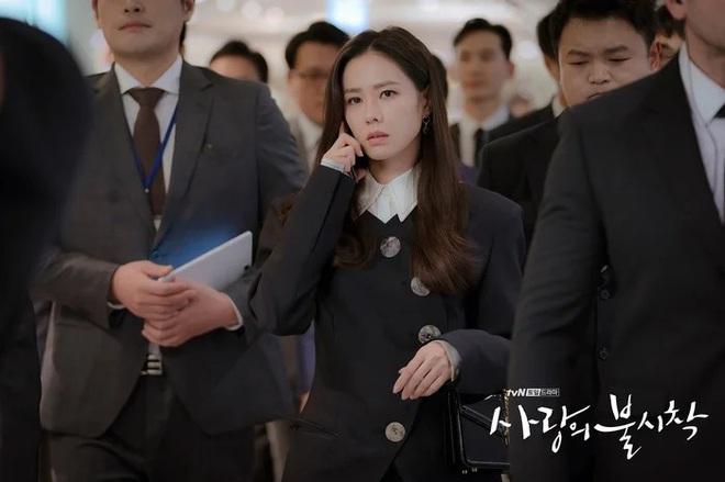 3 lý do nên xem chuyện tình yêu xa độc lạ Crash Landing On You của đôi chị em Huyn Bin và Son Ye Jin - ảnh 3