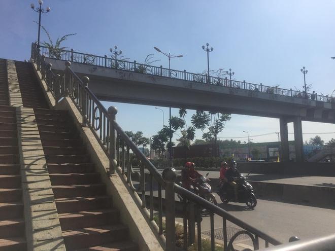 Nữ sinh viên Học viện Thanh thiếu niên Miền Nam tử vong bất thường trên cầu bộ hành Suối Tiên - Ảnh 1.