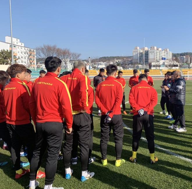 Ngày thứ 2 của U23 Việt Nam tại Hàn Quốc: Sáng ôn đấu pháp, chiều rèn thể lực - ảnh 3