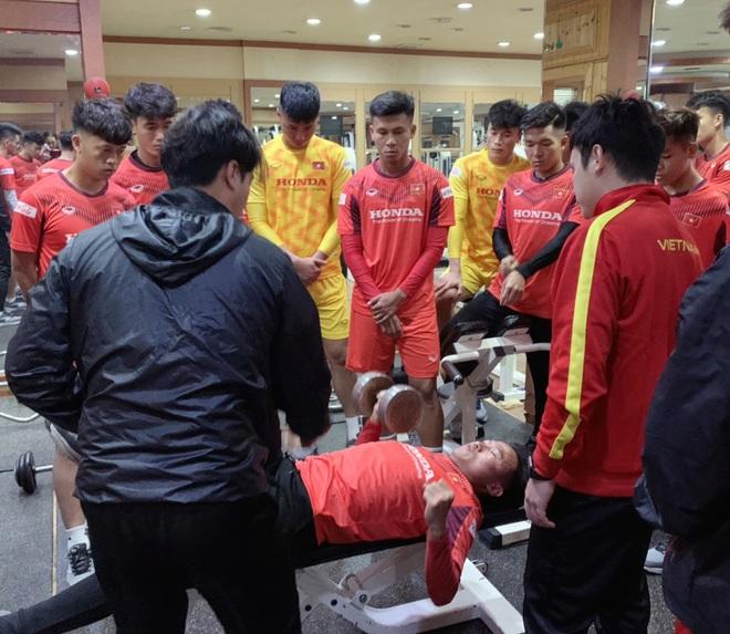 Ngày thứ 2 của U23 Việt Nam tại Hàn Quốc: Sáng ôn đấu pháp, chiều rèn thể lực - ảnh 7