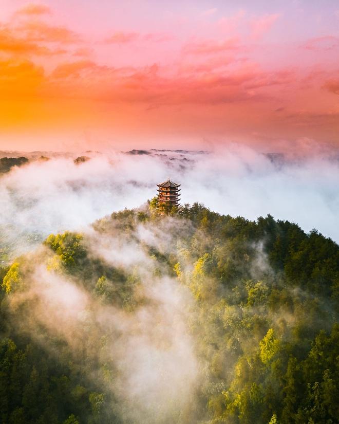 4 đại diện Việt Nam vào chung kết cuộc thi ảnh quốc tế với tác phẩm huyền ảo khó tin: Không ngờ vẫn còn những nơi hoang sơ đến thế! - Ảnh 4.