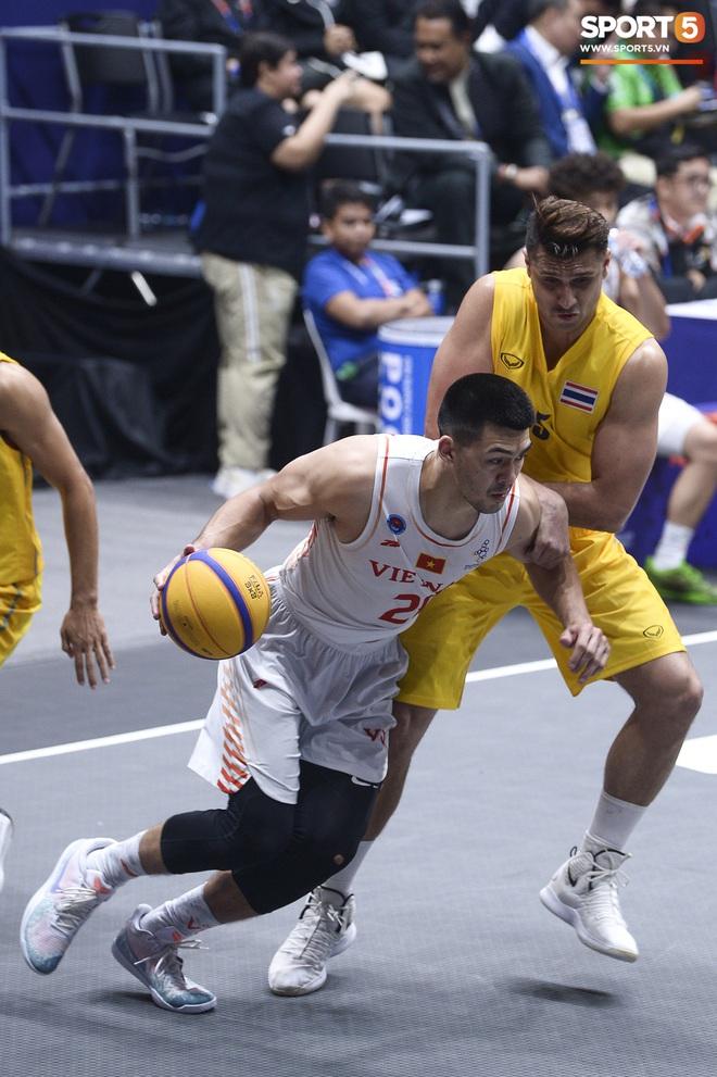 Đội bóng rổ nam Việt Nam đi vào lịch sử, giành huy chương đồng nội dung thi đấu 3x3 sau chiến thắng kịch tính trước Thái Lan - Ảnh 5.