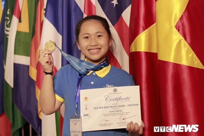 Nữ sinh giành huy chương Vàng Olympic Khoa học quốc tế biết đọc từ năm 3 tuổi - ảnh 1