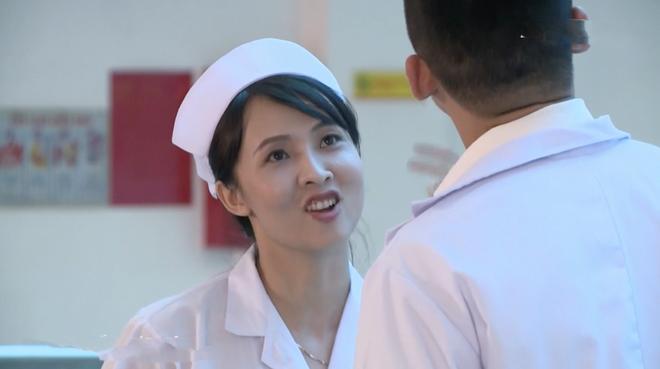 Bác sĩ Minh sợ nghiệp quật tới mức phẫu thuật lộn tiệm cắt thịt bệnh nhân máu văng tung tóe ở tập 25 Không Lối Thoát - Ảnh 13.