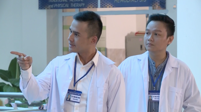 Bác sĩ Minh sợ nghiệp quật tới mức phẫu thuật lộn tiệm cắt thịt bệnh nhân máu văng tung tóe ở tập 25 Không Lối Thoát - Ảnh 14.