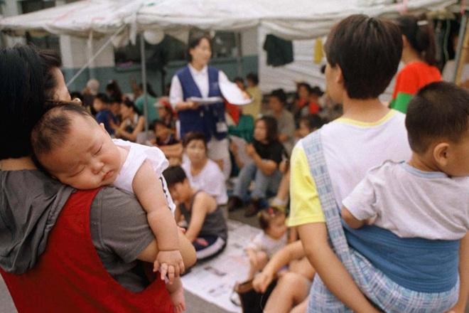 Thế hệ phụ nữ Hàn Quốc sợ lấy chồng: Lương thấp, áp lực con nhỏ và công việc từ sự kỳ thị giới tính đã ăn quá sâu - ảnh 9