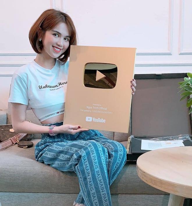 """Ngọc Trinh: Người đẹp V-biz đầu tiên """"ẵm nút vàng Youtube - Ảnh 4."""