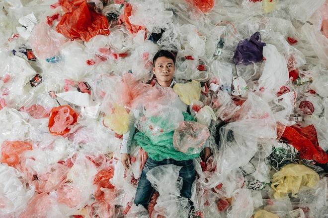 Hành trình cứu biển của nhiếp ảnh gia đi xe máy hơn 7.000km, chụp 3.000 bức ảnh về rác thải nhựa - Ảnh 15.