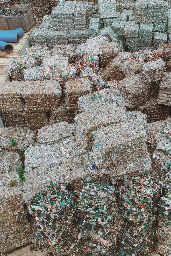 Hành trình cứu biển của nhiếp ảnh gia đi xe máy hơn 7.000km, chụp 3.000 bức ảnh về rác thải nhựa - Ảnh 8.