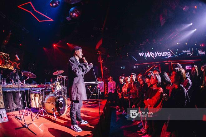 WeYoung: /unmute/ tại Hà Nội: Mạch nước ngầm Indie tự do bay nhảy trong thế giới riêng của mình - Ảnh 16.