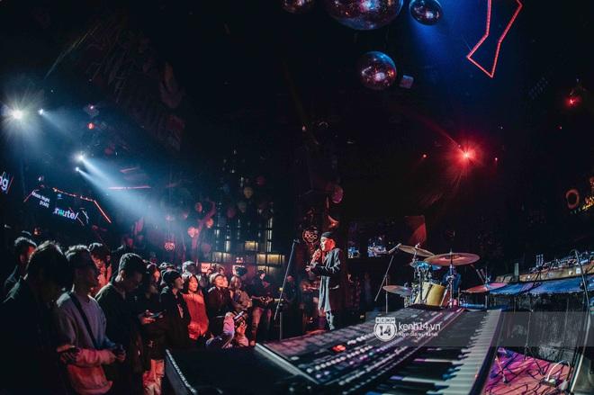 WeYoung: /unmute/ tại Hà Nội: Mạch nước ngầm Indie tự do bay nhảy trong thế giới riêng của mình - Ảnh 19.