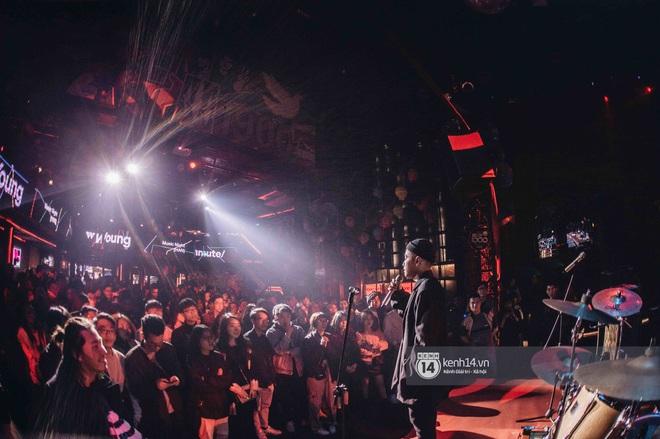 WeYoung: /unmute/ tại Hà Nội: Mạch nước ngầm Indie tự do bay nhảy trong thế giới riêng của mình - Ảnh 18.