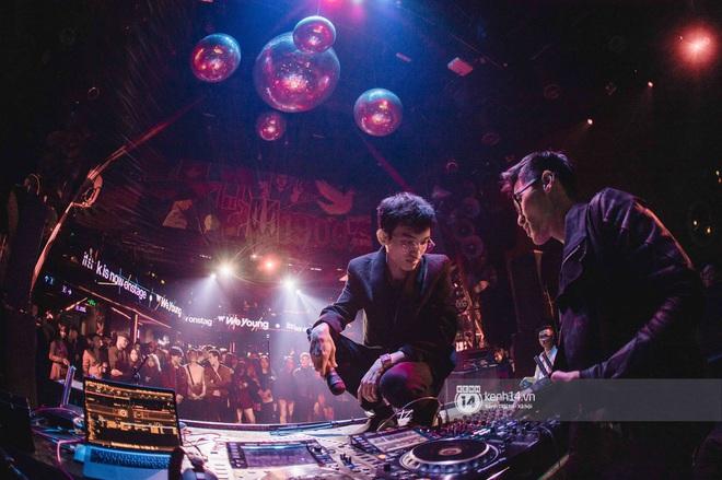 WeYoung: /unmute/ tại Hà Nội: Mạch nước ngầm Indie tự do bay nhảy trong thế giới riêng của mình - Ảnh 20.