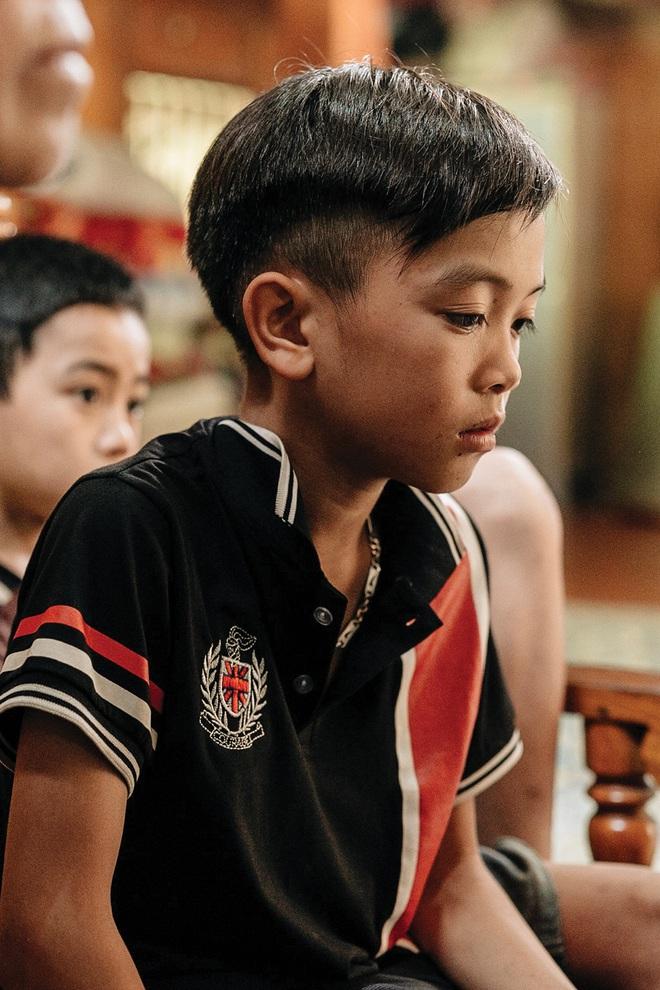 """Cậu bé dân tộc Vì Quyết Chiến đạp xe 100km xuống Hà Nội thăm em: Nếu Lực còn sống, em mong Lực đừng cố chấp, liều lĩnh như em"""" - Ảnh 12."""