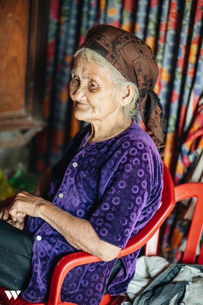 Mấy ai yêu đời được như cụ bà quyết tâm thoát nghèo: Xuân xanh cũng đến 85, nếu bà trang điểm thì trăng rằm thua xa - Ảnh 3.