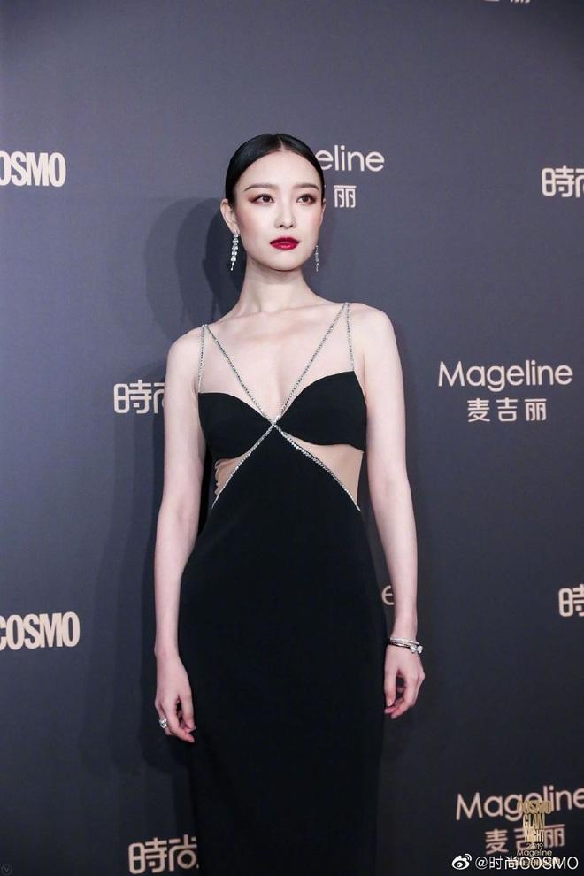 Bội thực thảm đỏ khủng quy tụ 100 sao Hoa-Hàn: Nhiệt Ba - HyunA sexy nổ mắt, Yoona đẹp tựa công chúa, Thẩm Nguyệt thất vọng - Ảnh 14.
