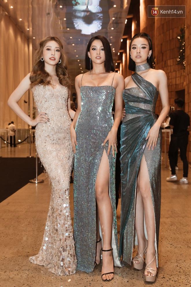 Tiểu Vy đổi gió với tóc bob, Hòa Minzy tái xuất trên thảm đỏ show diễn của NTK Chung Thanh Phong - ảnh 2