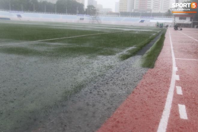 SEA Games 30: Trận đấu giữa U22 Việt Nam và U22 Singapore có thể bị tạm hoãn vì sân đấu ngập trong nước - ảnh 5