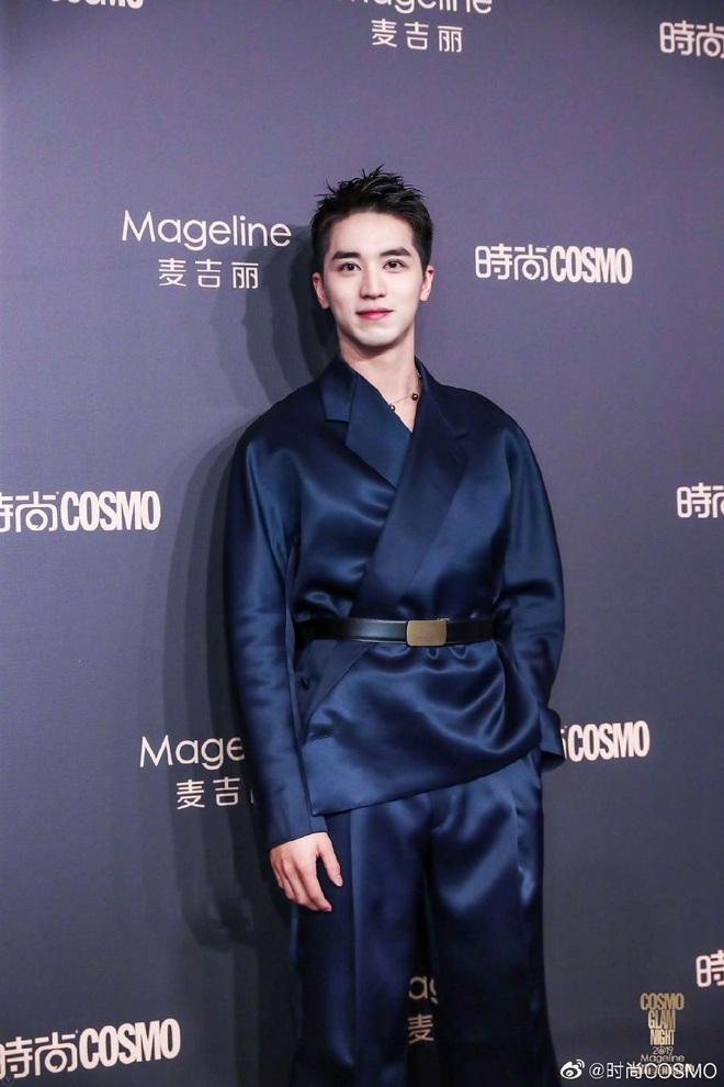 Bội thực thảm đỏ khủng quy tụ 100 sao Hoa-Hàn: Nhiệt Ba - HyunA sexy nổ mắt, Yoona đẹp tựa công chúa, Thẩm Nguyệt thất vọng - Ảnh 47.