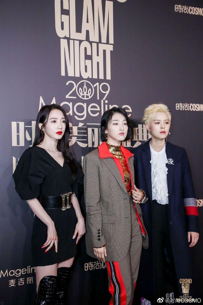 Bội thực thảm đỏ khủng quy tụ 100 sao Hoa-Hàn: Nhiệt Ba - HyunA sexy nổ mắt, Yoona đẹp tựa công chúa, Thẩm Nguyệt thất vọng - Ảnh 30.