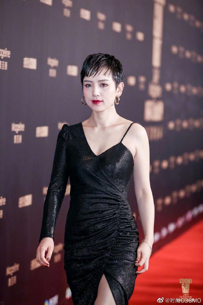 Bội thực thảm đỏ khủng quy tụ 100 sao Hoa-Hàn: Nhiệt Ba - HyunA sexy nổ mắt, Yoona đẹp tựa công chúa, Thẩm Nguyệt thất vọng - Ảnh 58.
