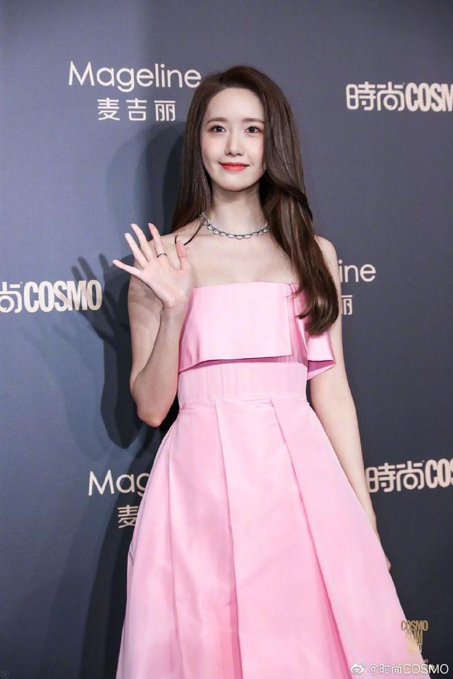 Bội thực thảm đỏ khủng quy tụ 100 sao Hoa-Hàn: Nhiệt Ba - HyunA sexy nổ mắt, Yoona đẹp tựa công chúa, Thẩm Nguyệt thất vọng - Ảnh 9.