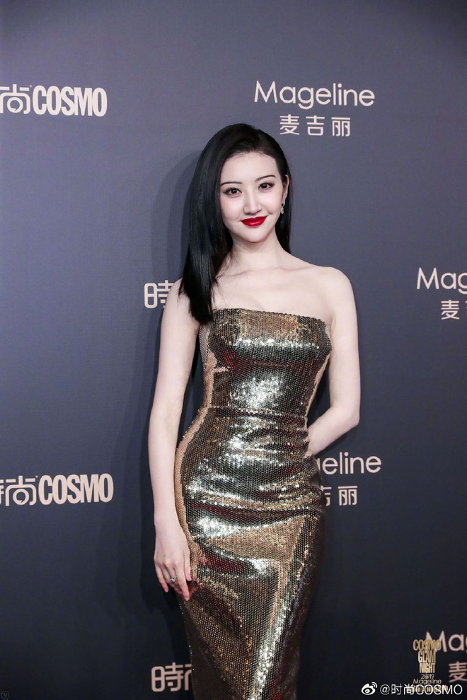 Bội thực thảm đỏ khủng quy tụ 100 sao Hoa-Hàn: Nhiệt Ba - HyunA sexy nổ mắt, Yoona đẹp tựa công chúa, Thẩm Nguyệt thất vọng - Ảnh 19.