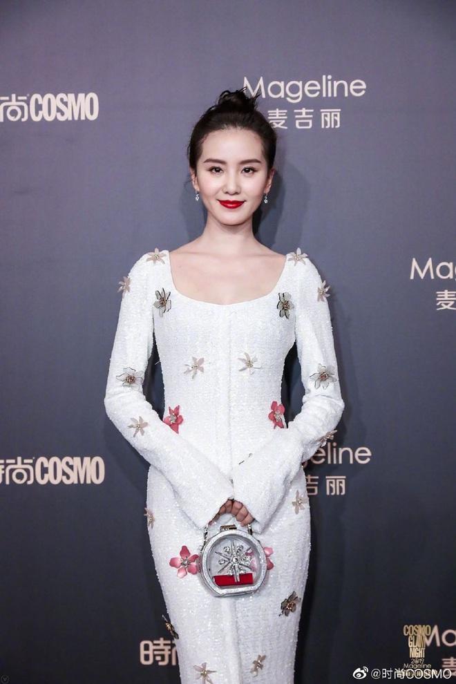Bội thực thảm đỏ khủng quy tụ 100 sao Hoa-Hàn: Nhiệt Ba - HyunA sexy nổ mắt, Yoona đẹp tựa công chúa, Thẩm Nguyệt thất vọng - Ảnh 16.
