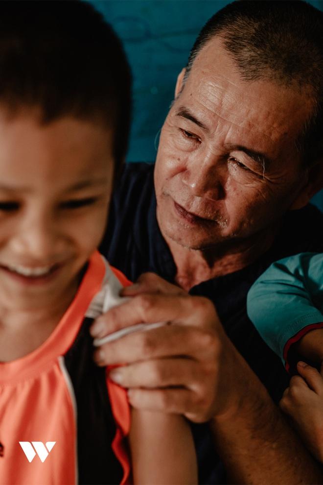 Người cha kỳ lạ ở Sài Gòn: Đổi 100 tỷ để mua đại dương yêu thương cho trẻ có hoàn cảnh đặc biệt - Ảnh 2.
