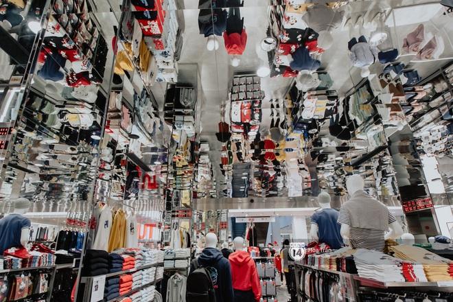 HOT HIT: Những hình ảnh rõ nét xịn sò đầu tiên bên trong store UNIQLO Việt Nam trước ngày khai trương - ảnh 8