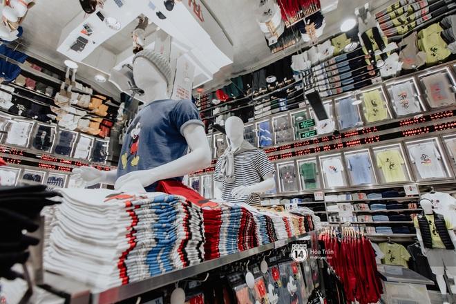 HOT HIT: Những hình ảnh rõ nét xịn sò đầu tiên bên trong store UNIQLO Việt Nam trước ngày khai trương - ảnh 10