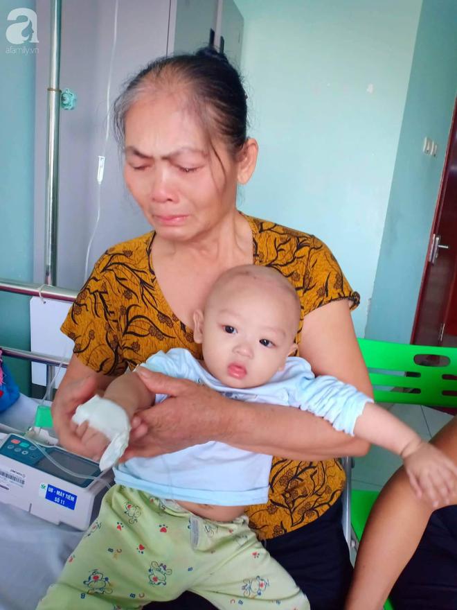 Xót xa gia cảnh của người phụ nữ trầm cảm sau sinh, chồng cụt chân, con gái 6 tháng tuổi mắc ung thư, con trai thiểu năng trí tuệ - ảnh 1