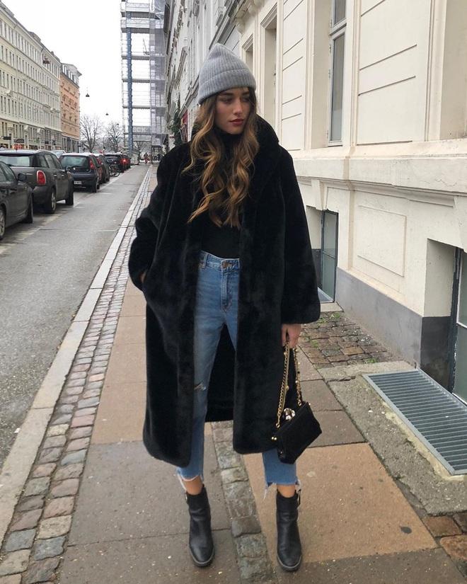 Phụ nữ Pháp chỉ diện boots theo 4 cách sau là đã đẹp và sang trọn vẹn mùa lạnh - ảnh 4