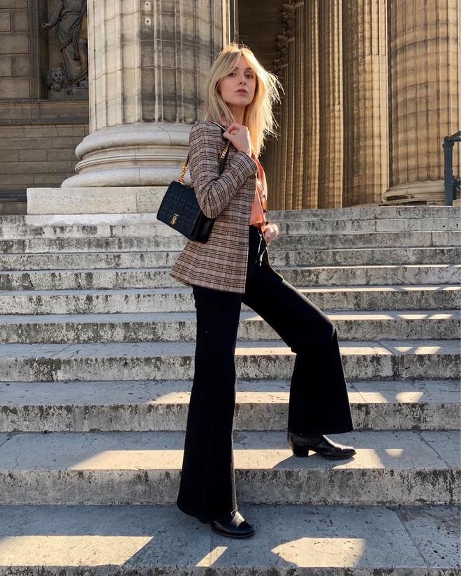 Phụ nữ Pháp chỉ diện boots theo 4 cách sau là đã đẹp và sang trọn vẹn mùa lạnh - ảnh 7