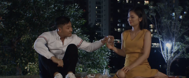 Chẳng cần mượn rượu, Khang vẫn hốt trọn chị đẹp San ở Hoa Hồng Trên Ngực Trái tập 35 - ảnh 1