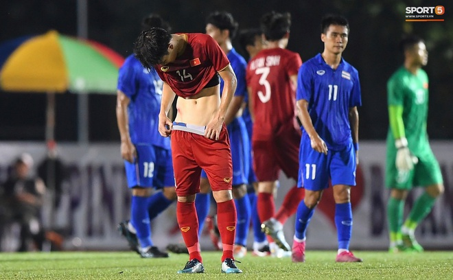 Nhìn lại hình ảnh Văn Hậu máu chảy ròng ròng, Trọng Hoàng toác hai đầu gối để đưa U22 Việt Nam vào chung kết SEA Games 30 - ảnh 8