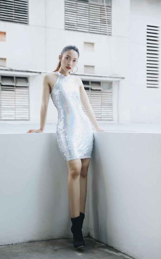 Bắn vèo vèo 4 ngoại ngữ trên thảm đỏ phỏng vấn loạt nghệ sĩ Quốc tế, Khánh Vy được dân mạng khen ngợi hết lời - ảnh 5