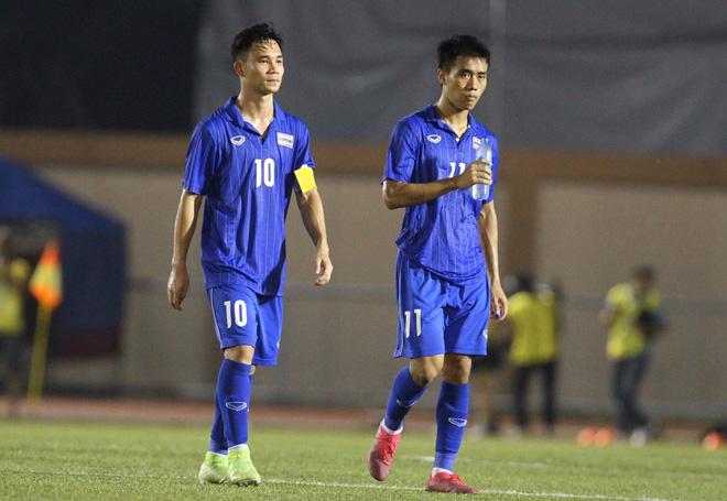 Bị Việt Nam cho về nhà sớm, cầu thủ Thái Lan suy sụp, thất thần, xấu hổ đến mức không dám nhìn các cổ động viên - ảnh 4