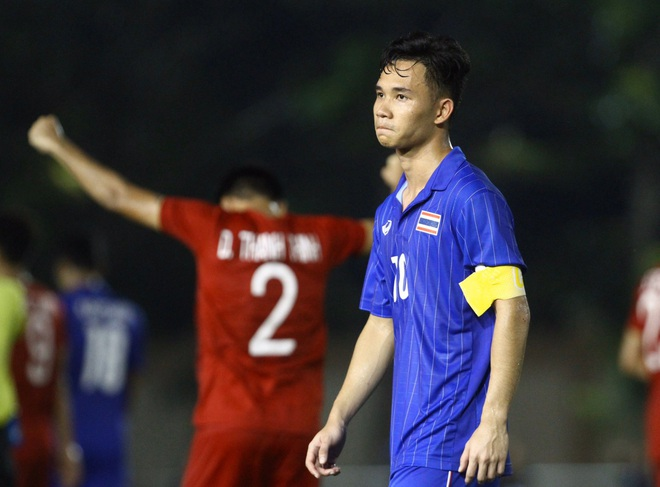 Bị Việt Nam cho về nhà sớm, cầu thủ Thái Lan suy sụp, thất thần, xấu hổ đến mức không dám nhìn các cổ động viên - ảnh 3
