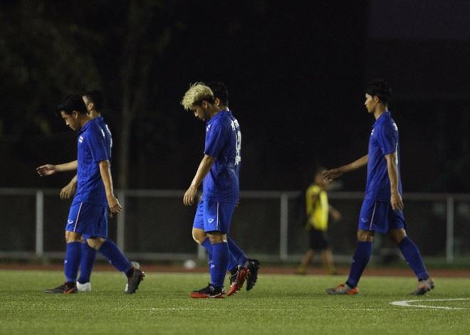 Bị Việt Nam cho về nhà sớm, cầu thủ Thái Lan suy sụp, thất thần, xấu hổ đến mức không dám nhìn các cổ động viên - ảnh 5